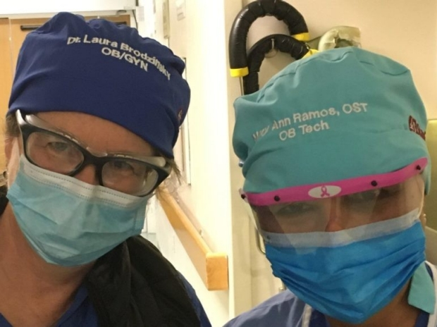 Names on surgical caps boost communication during C-sections